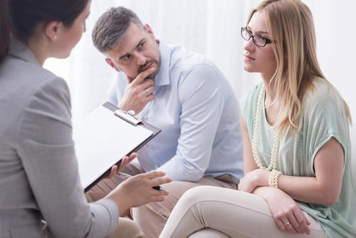Pros and Cons of Divorce Mediation in Illinois